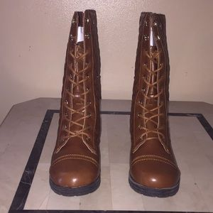 Fatima boots from shoe dazzle